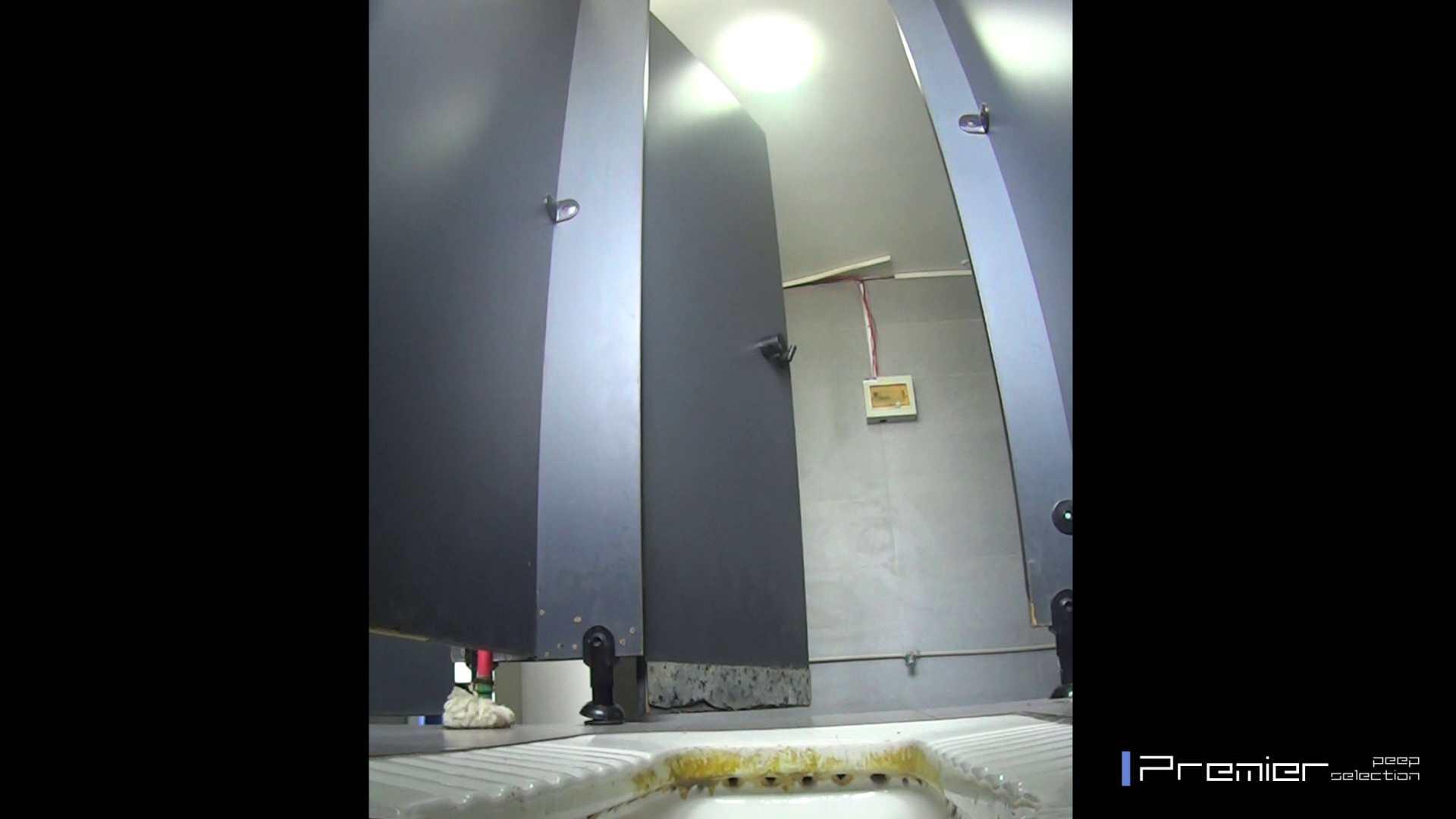 ポチャのお女市さんが多めです 有名大学休憩時間の洗面所事情11 美女 | 盗撮  92pic 51