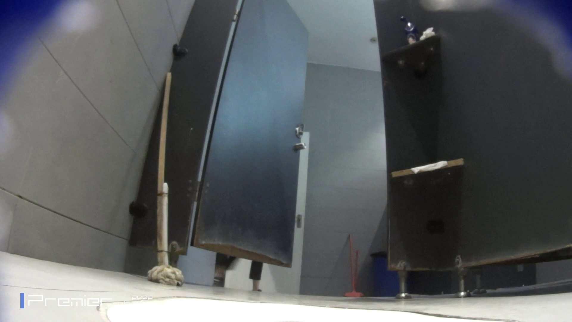 トイレットペーパーを握りしめ個室に入る乙女 大学休憩時間の洗面所事情83 盗撮 エロ画像 98pic 2