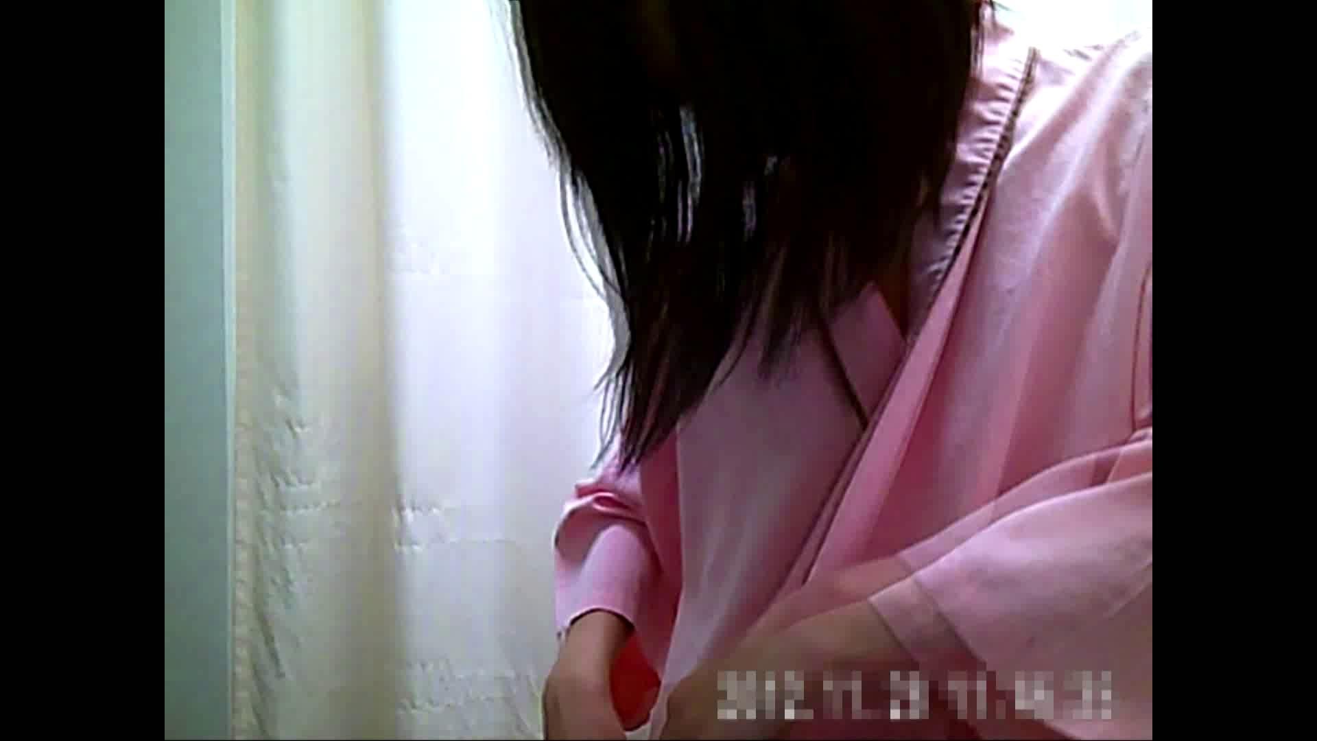 元医者による反抗 更衣室地獄絵巻 vol.135 色っぽいOL達   0  77pic 35