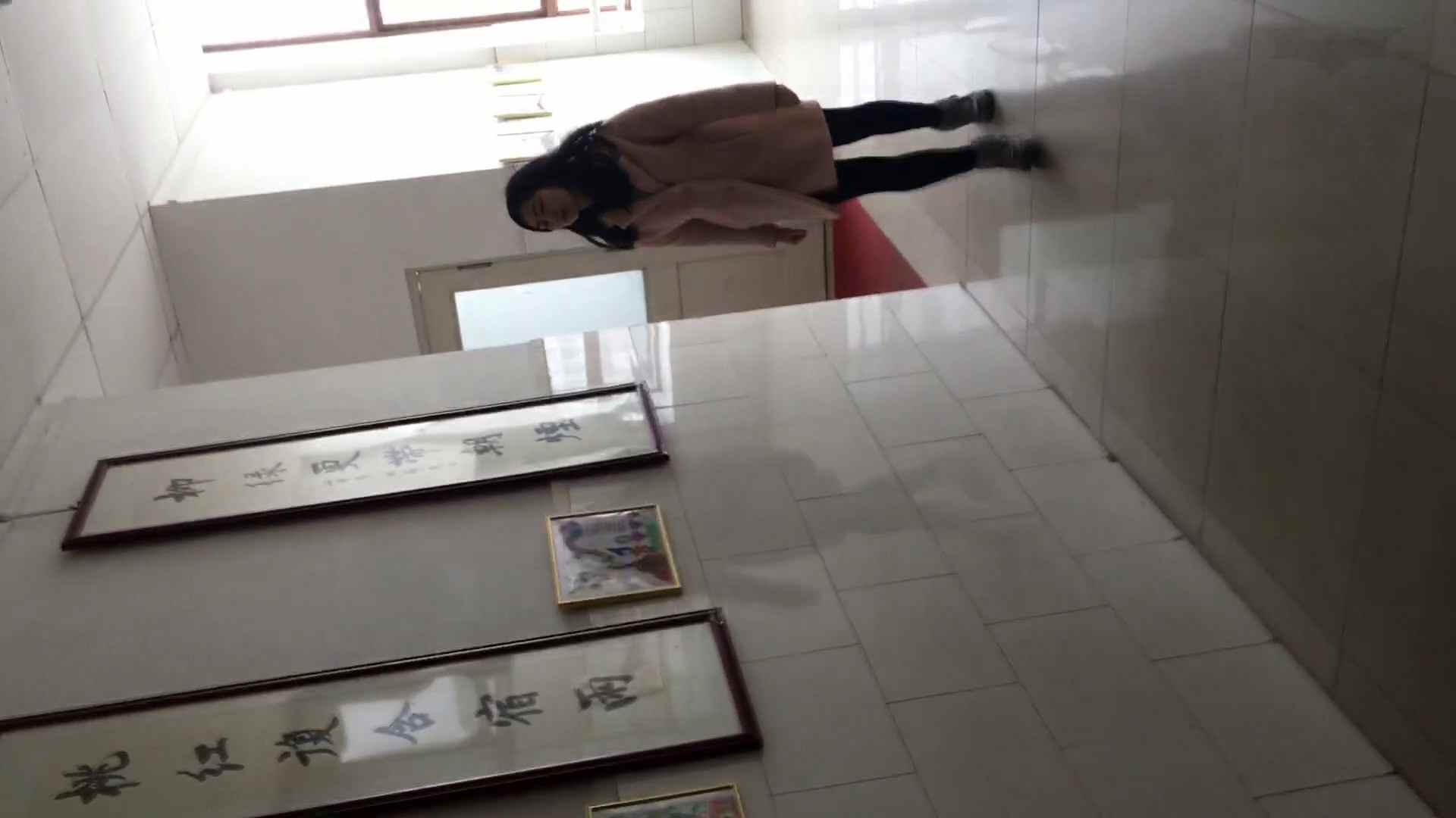芸術大学ガチ潜入盗sati JD盗撮 美女の洗面所の秘密 Vol.95 盗撮   リアル・マンコ  68pic 22