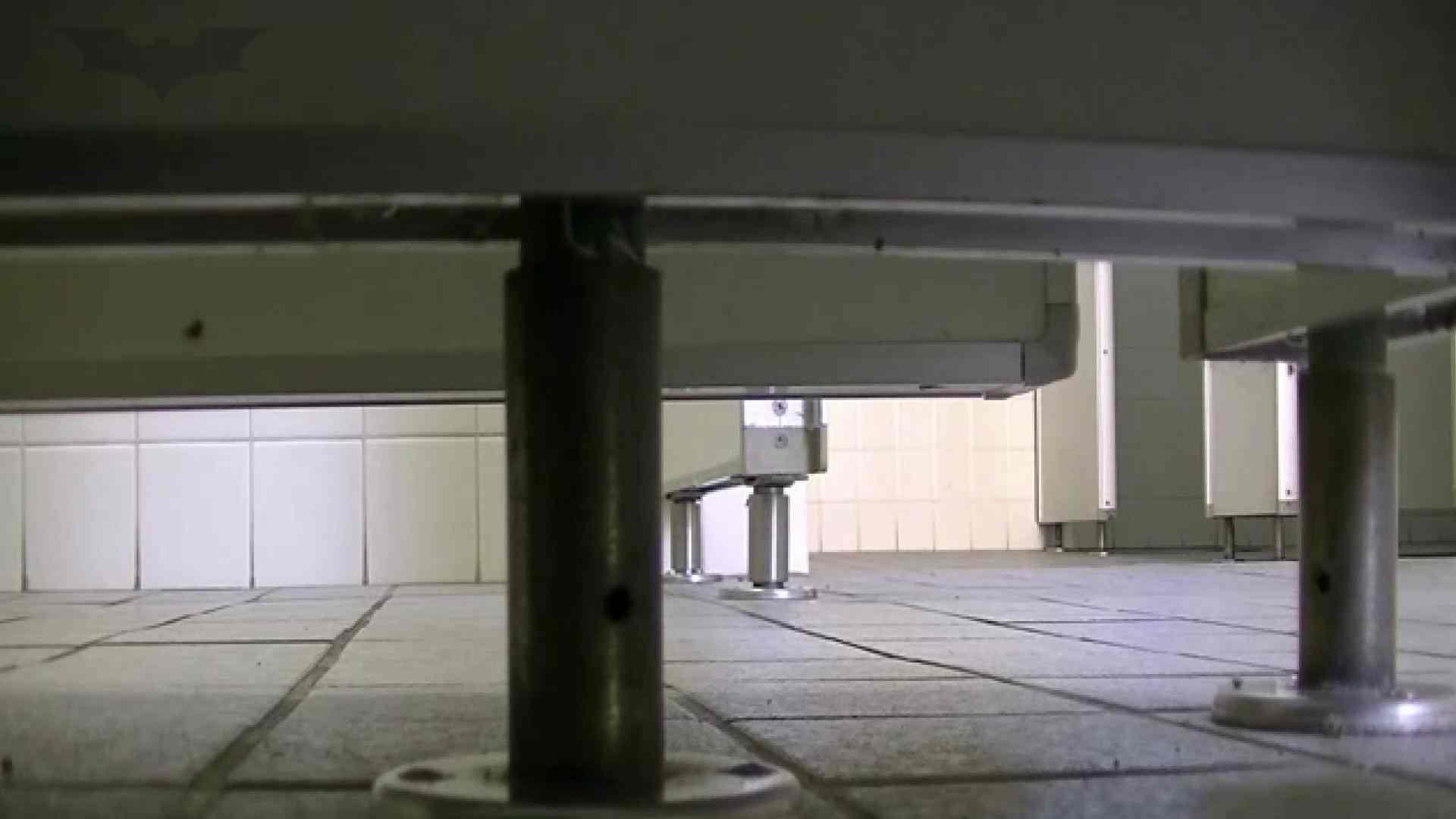 夏の思い出浜辺トイレ盗撮Vol.28 色っぽいOL達 オメコ無修正動画無料 84pic 82