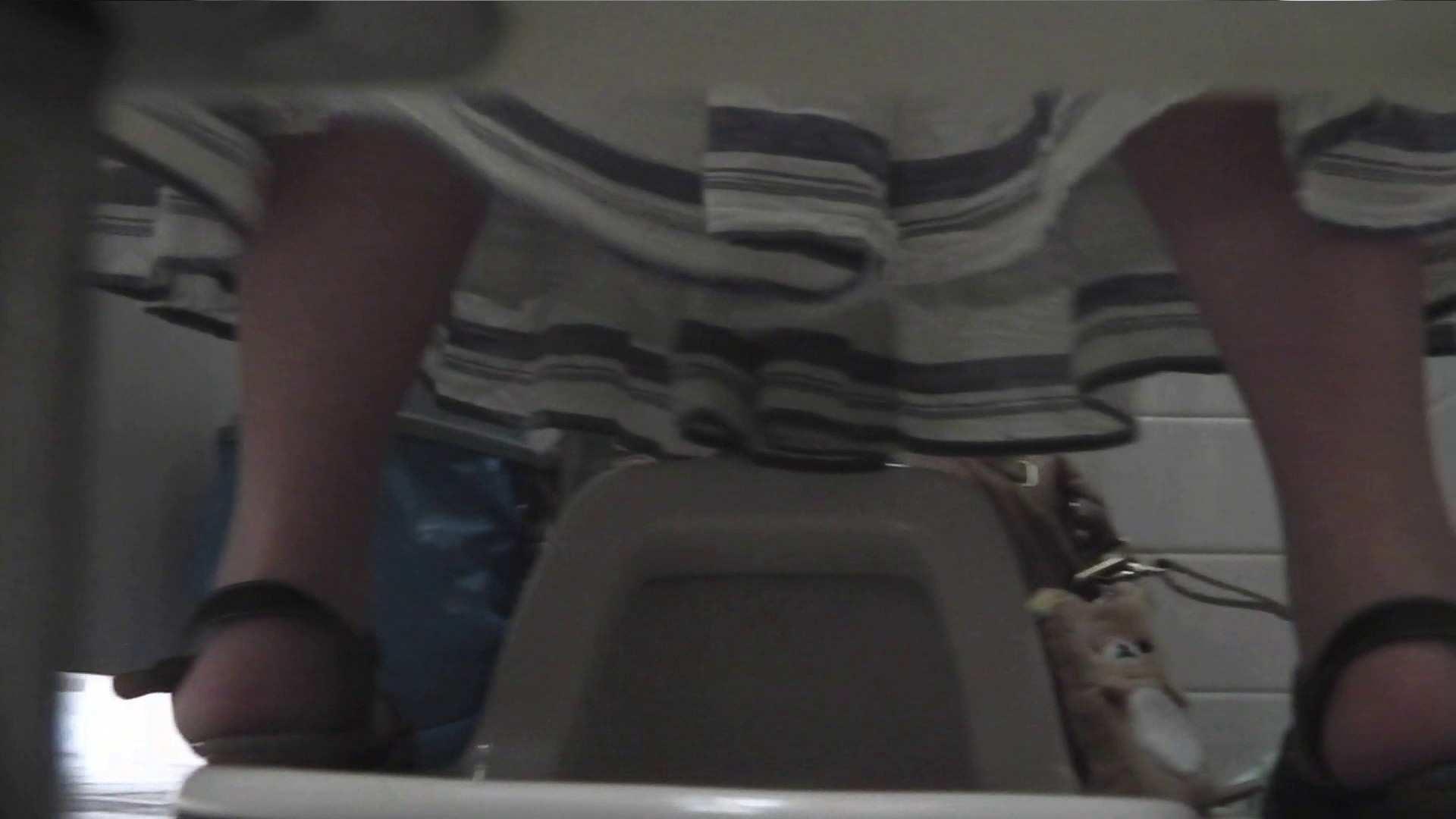 お銀さんの「洗面所突入レポート!!」Nol.12 洗面所 おまんこ動画流出 91pic 50