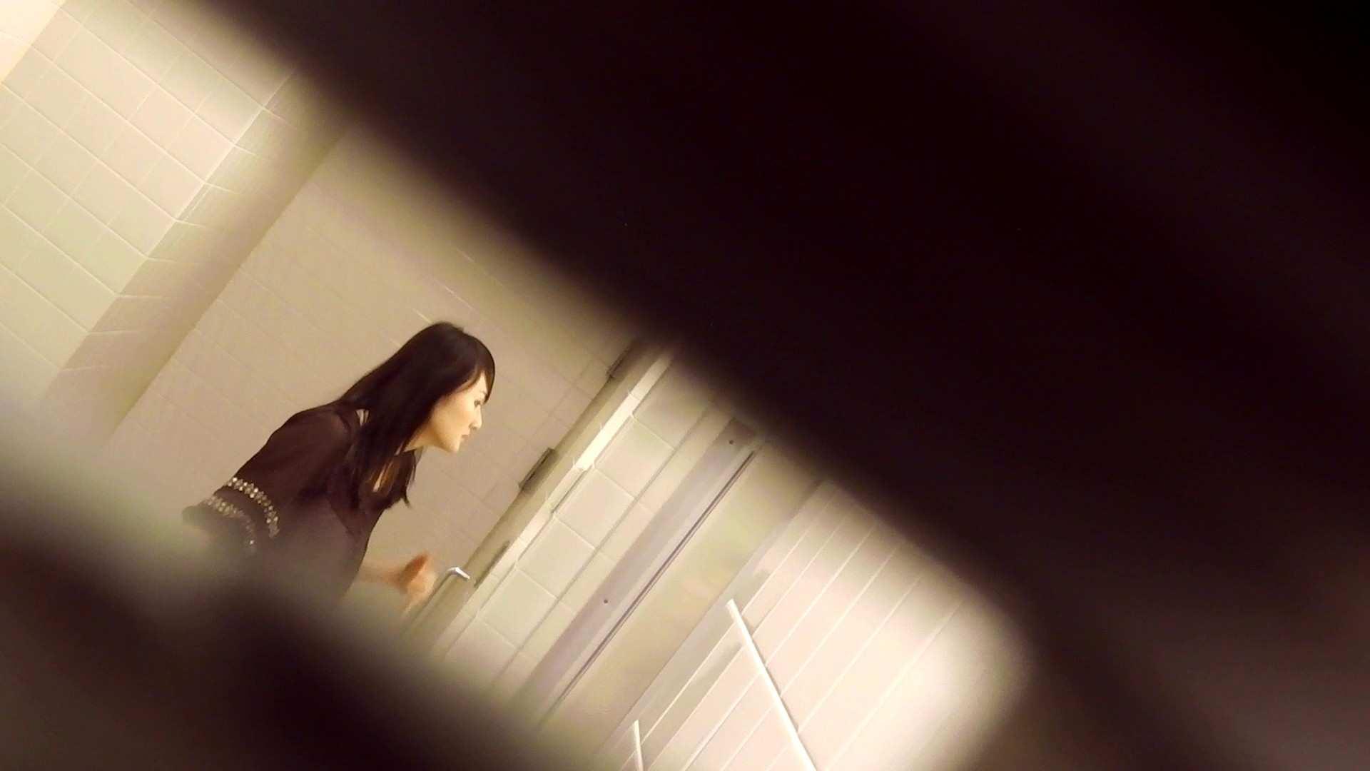 お銀さんの「洗面所突入レポート!!」Nol.15 洗面所 盗撮動画紹介 91pic 56