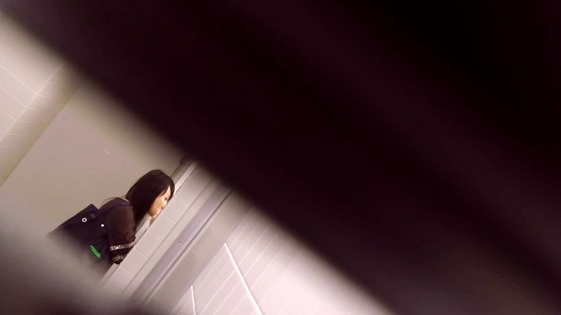 お銀さんの「洗面所突入レポート!!」Nol.15 洗面所 盗撮動画紹介 91pic 62