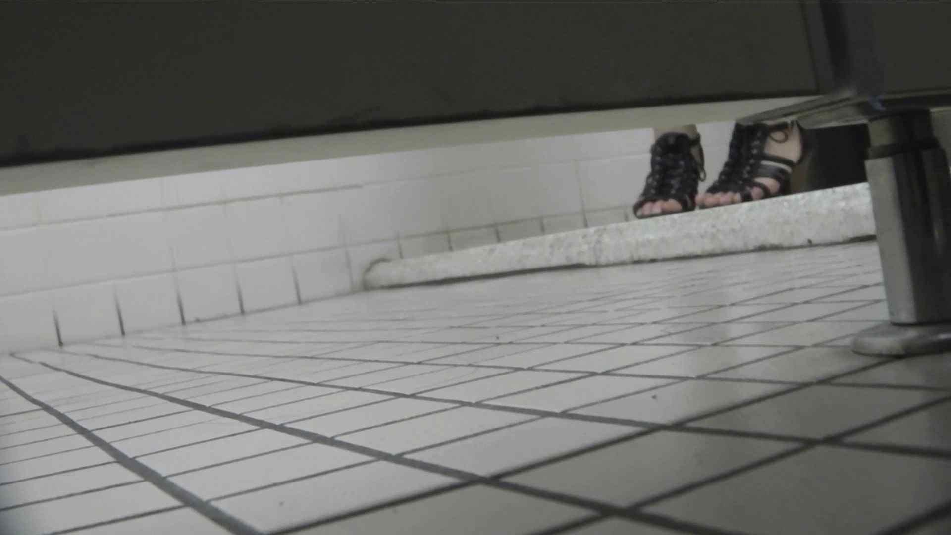 お銀さんの「洗面所突入レポート!!」Nol.21 色っぽいOL達   洗面所  105pic 40