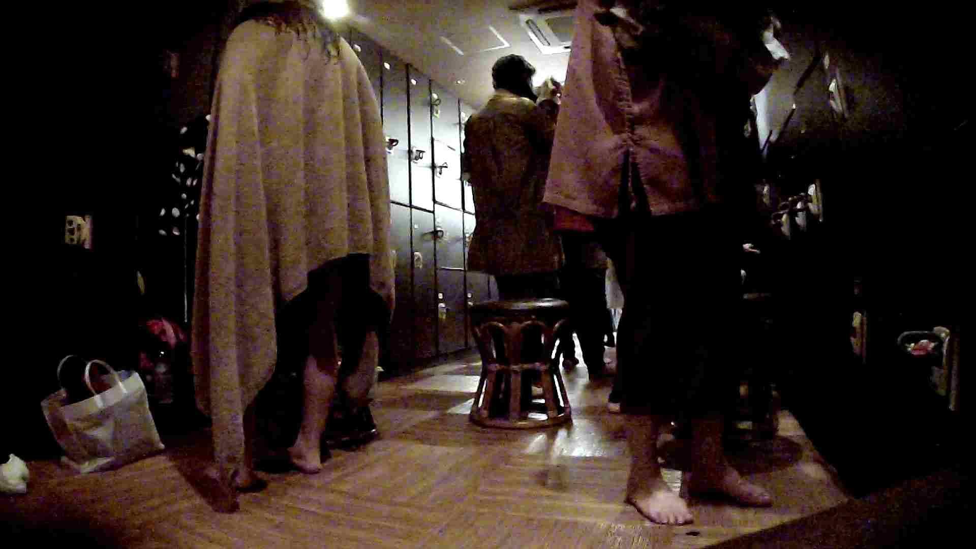 脱衣所!オムニバス 大混雑!注目はあの人の御御足でしょう。 銭湯 AV無料動画キャプチャ 100pic 50