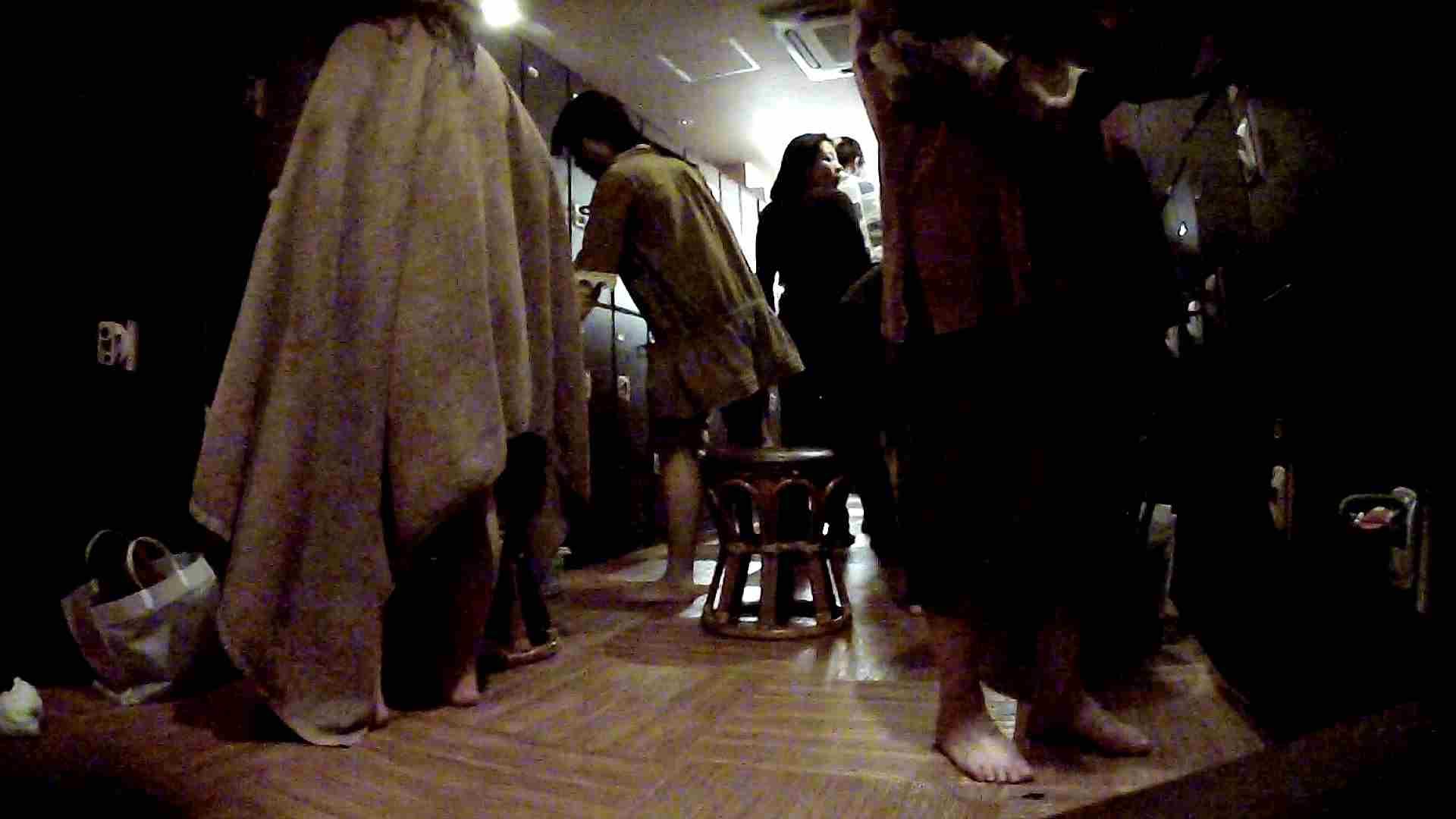 脱衣所!オムニバス 大混雑!注目はあの人の御御足でしょう。 銭湯 AV無料動画キャプチャ 100pic 53