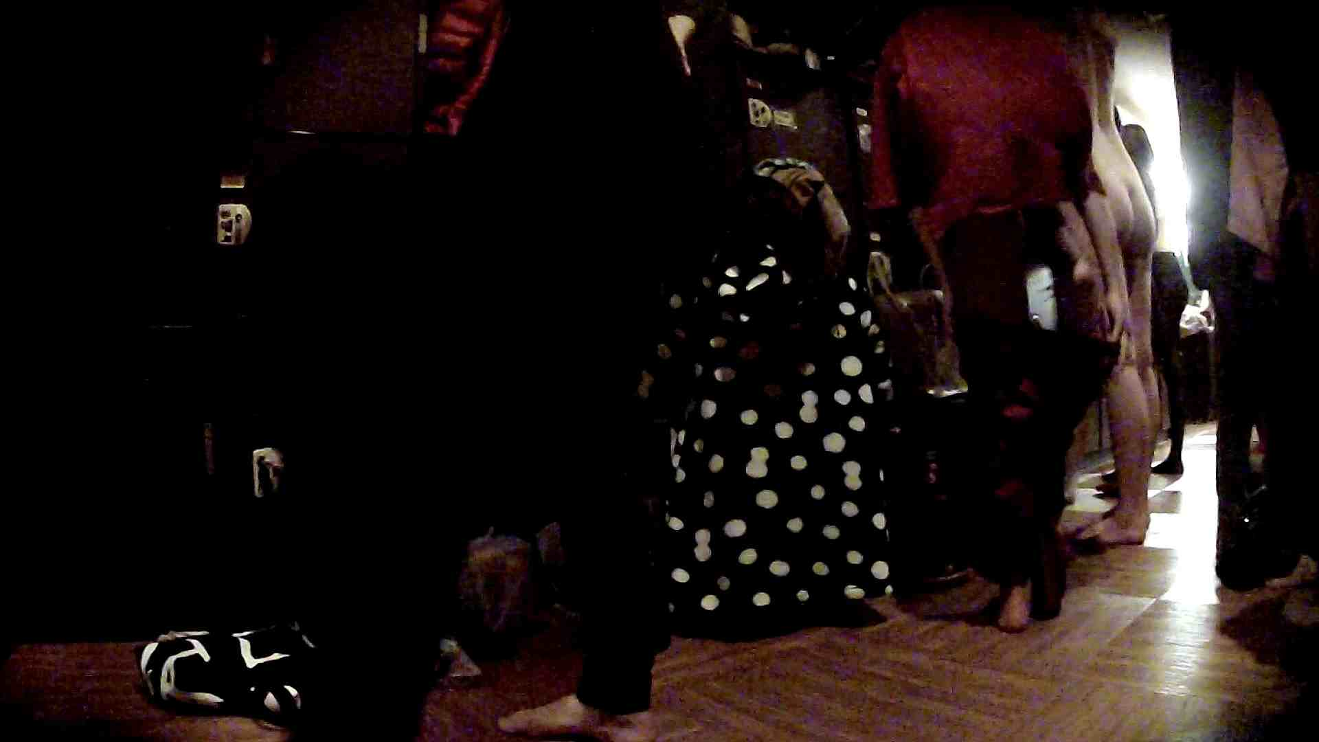 脱衣所!オムニバス 大混雑!注目はあの人の御御足でしょう。 脱衣所・着替え編  100pic 84
