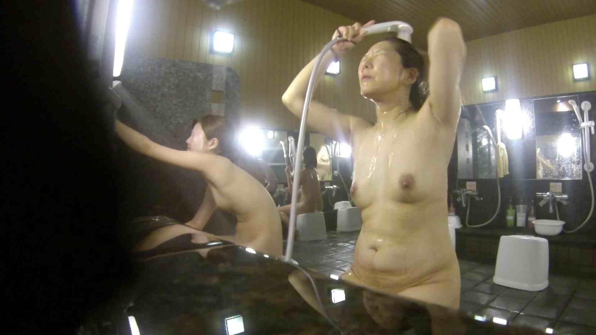 洗い場!崩れかけ?いや、崩れてます。。。 銭湯  101pic 38
