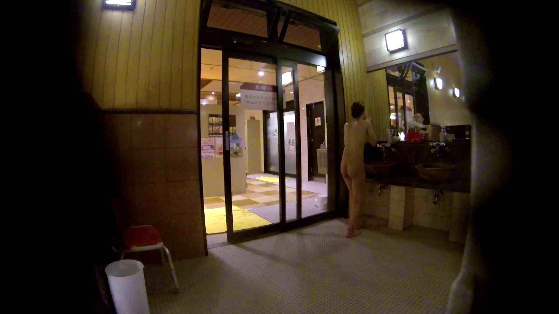 オムニバス!出入り口~シャワー~メイク室と移動。たくさんの女性が登場します 桃色シャワー  92pic 3