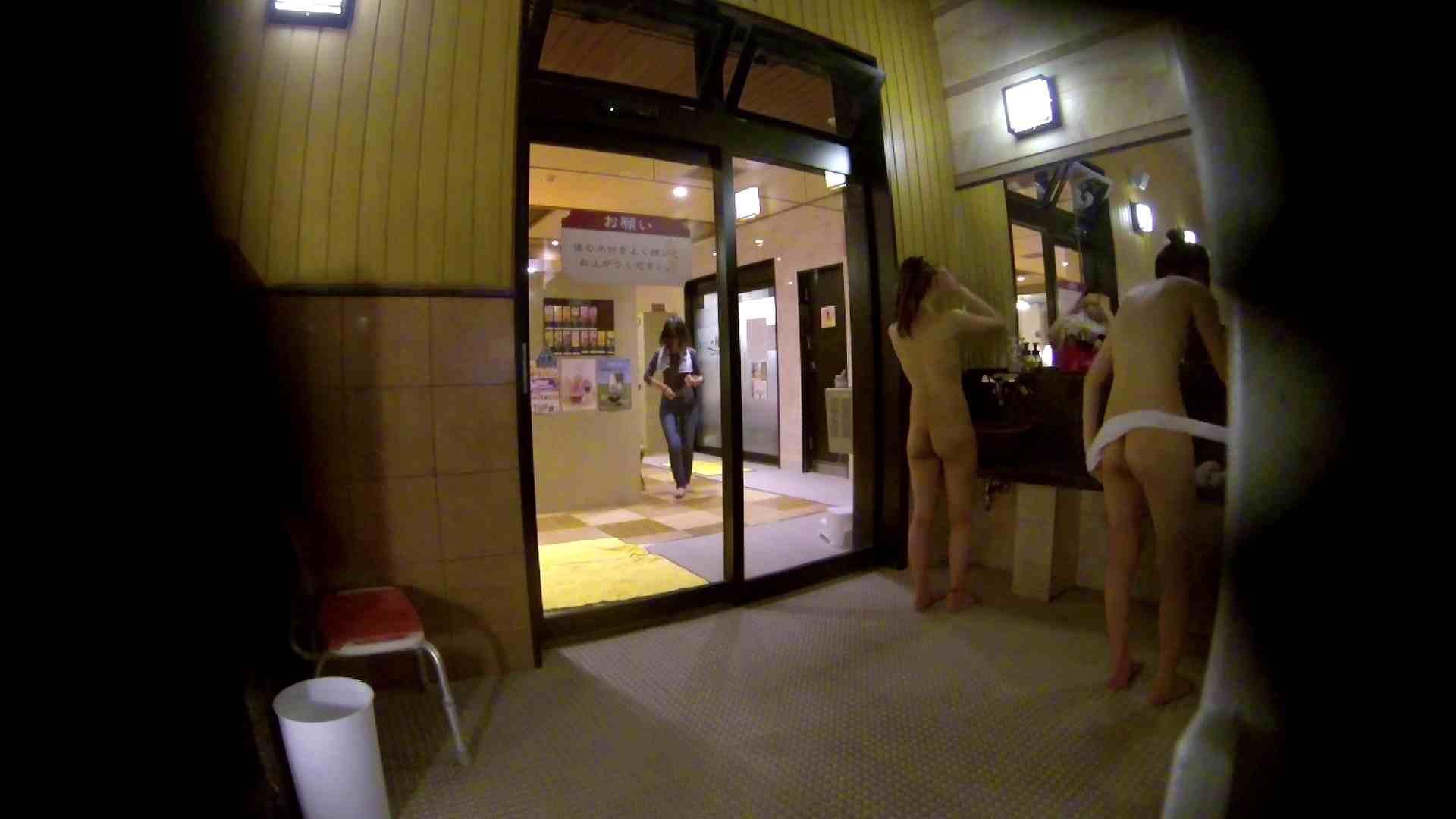 オムニバス!出入り口~シャワー~メイク室と移動。たくさんの女性が登場します 潜入 オメコ動画キャプチャ 92pic 14