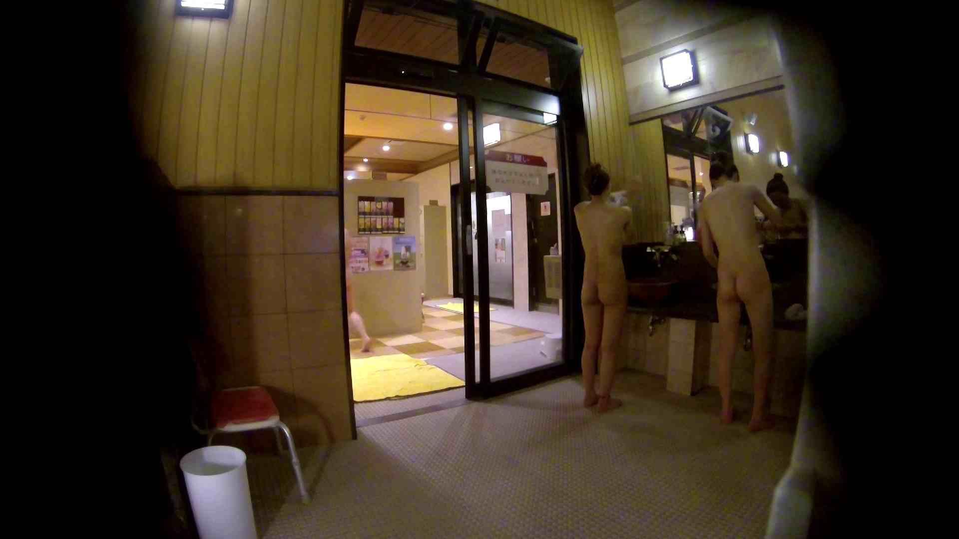 オムニバス!出入り口~シャワー~メイク室と移動。たくさんの女性が登場します 桃色シャワー | 銭湯  92pic 28