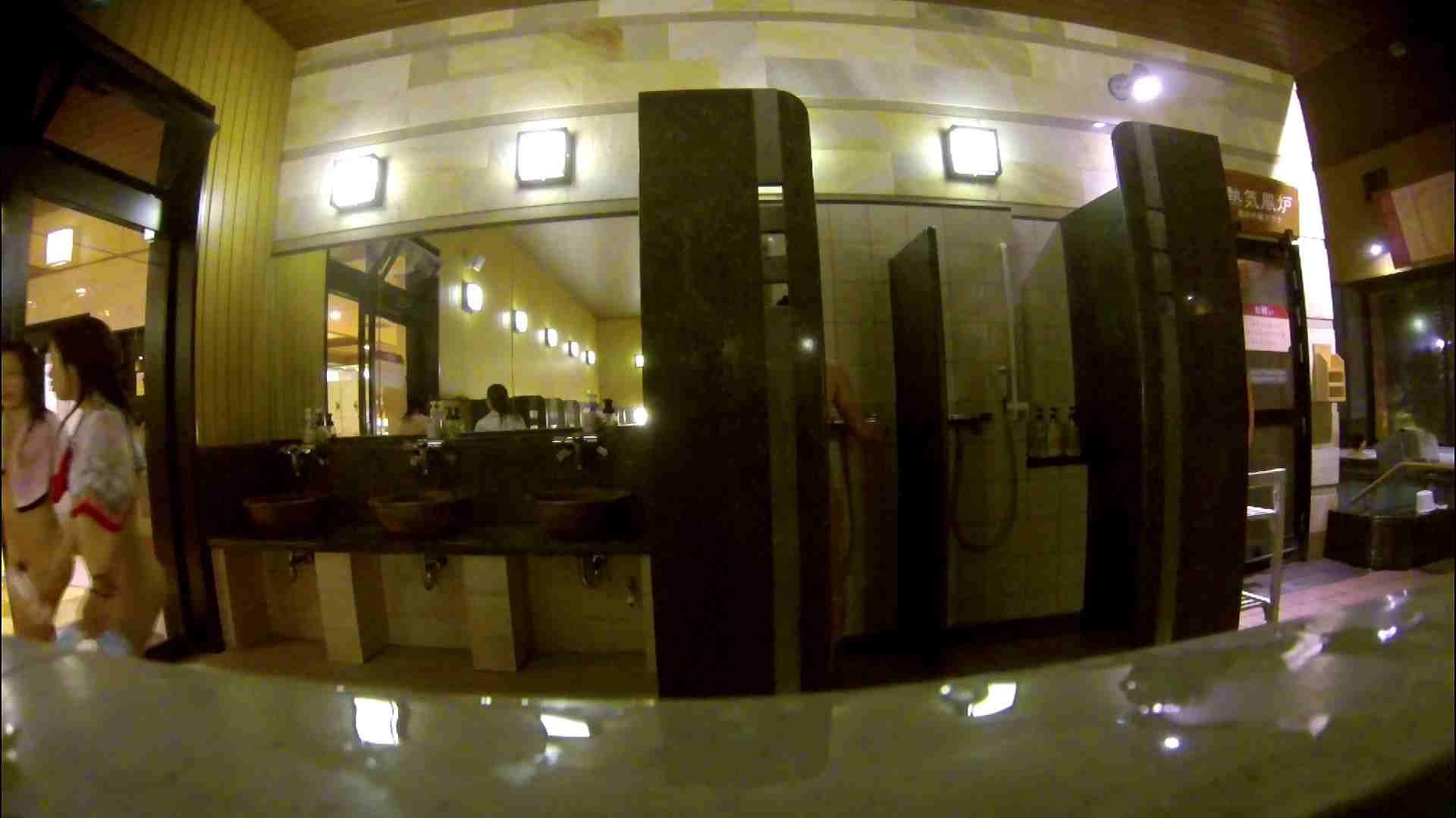 オムニバス!出入り口~シャワー~メイク室と移動。たくさんの女性が登場します 潜入 オメコ動画キャプチャ 92pic 47