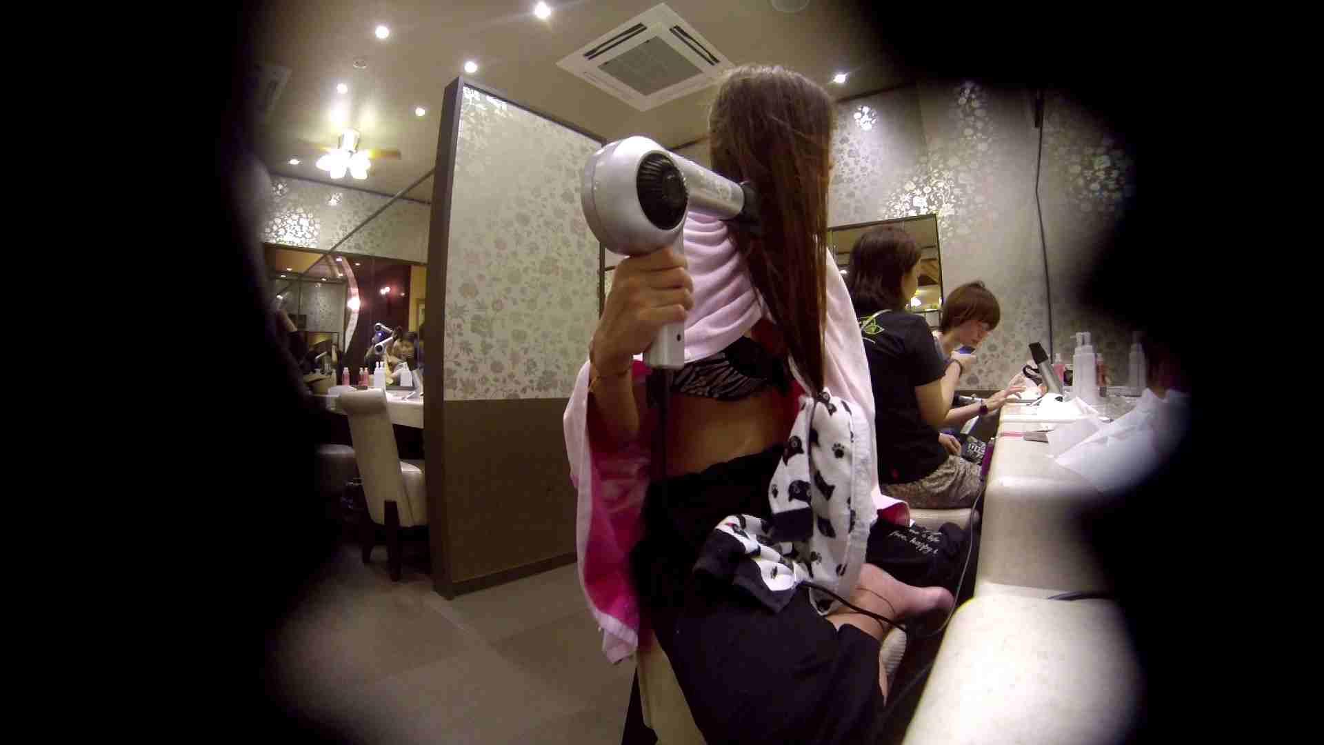 オムニバス!出入り口~シャワー~メイク室と移動。たくさんの女性が登場します 潜入 オメコ動画キャプチャ 92pic 59