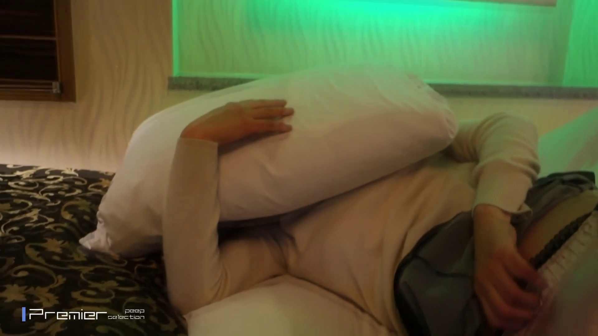 美女達の私生活に潜入!【ガチ交渉】清楚系女子大生へのお願い 放nyo&手コキ 色っぽい女子大生  94pic 4