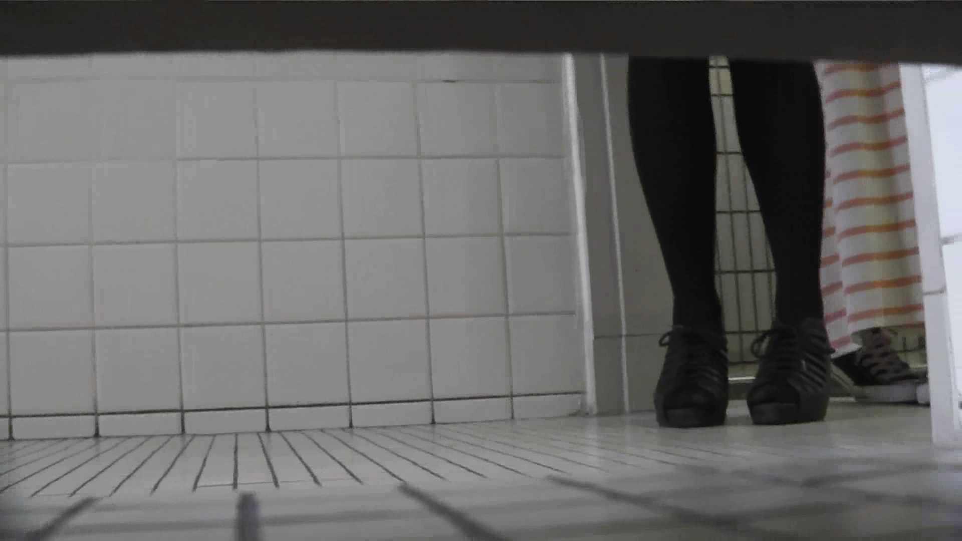 【美しき個室な世界】 vol.021 めがねっこ 色っぽいOL達   洗面所  100pic 35