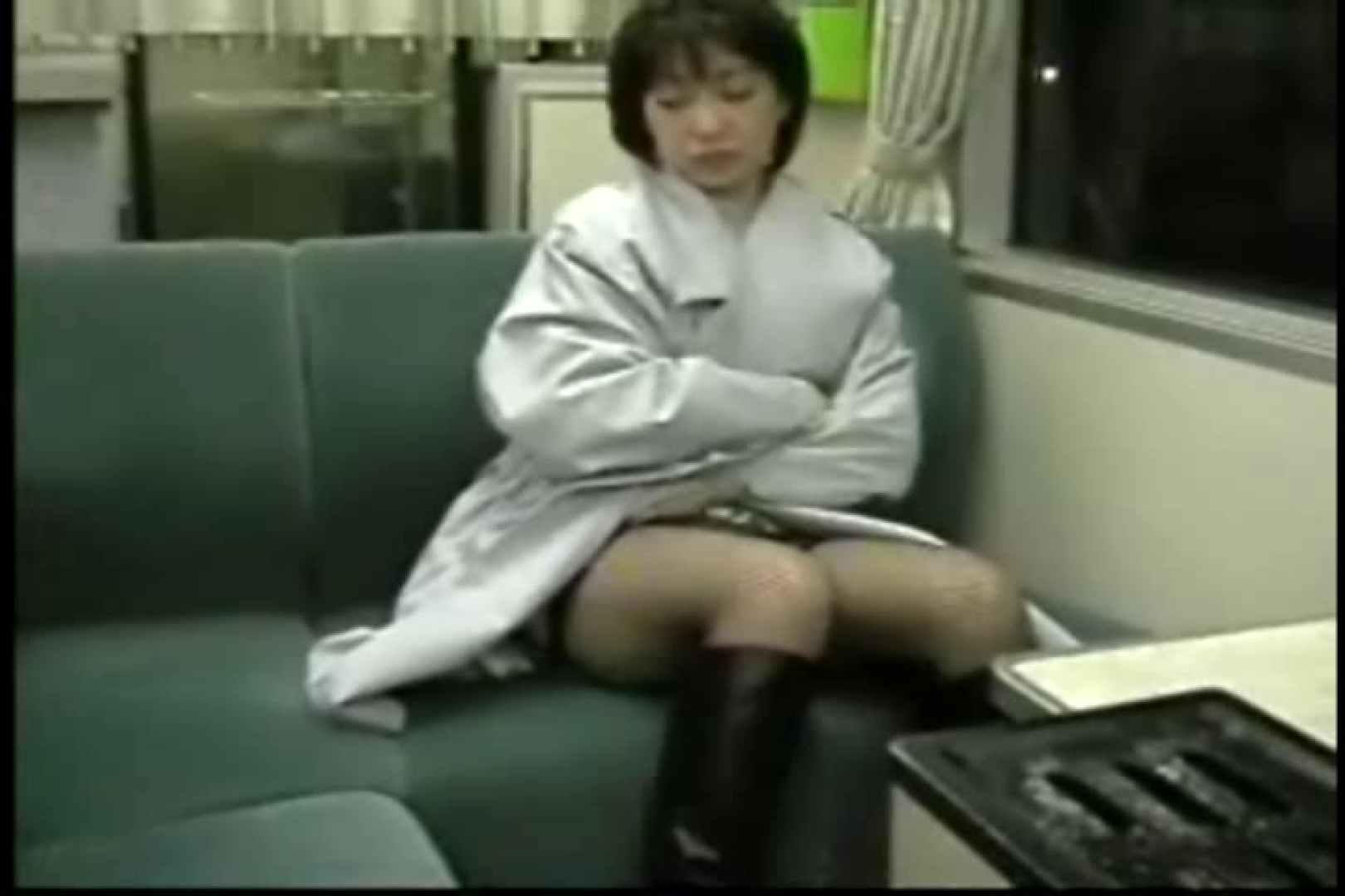 妻と寝台列車にて・・・ 車の中の秘め事   口内発射  82pic 9