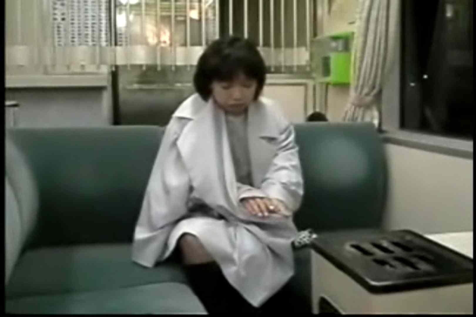 妻と寝台列車にて・・・ 車の中の秘め事  82pic 28